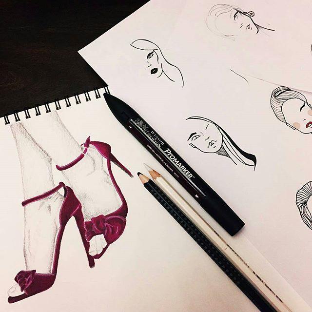 Pamiętajcie by dodawać zdjęcia z hasztagiem #mskpu, byśmy mogli je zobaczyć :)Zdjęcie: @ushanovalena #school #fashionschool #szkolamody #moda #szkolaprojektowania  #projektant #polskiprojektant #poland #szkolaprojektowaniamody #rysunek #rysunekzurnalowy #rysunekmodowy #polska #ootd #blogger #vlogger #fashionblogger #stylist #stylish #talent #fashionillustration